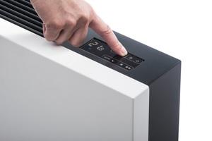"""Die Temperatur-Einstellung beim """"Niva""""-Gebläsekonvektor erfolgt über ein Touch Display<br />"""