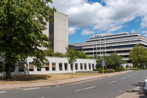 Liegenschaft der BHW-Bausparkasse in Hameln mit zwei Hauptgebäuden