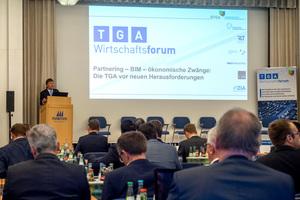 Günther Mertz eröffnete das 2. TGA-Wirtschaftsforum in Frankfurt am Main.