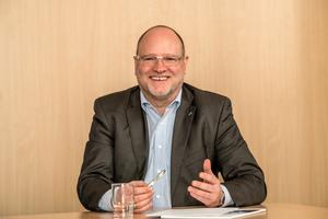 Volker Weinmann, Beauftragter für Politik, Umwelt und Verbände bei Daikin, stellte sich den Fragen der tab-Redaktion.