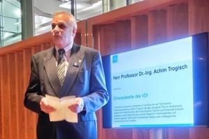 Prof. Dr.-Ing. Achim Trogisch erhielt die Ehrenplakette des VDI für herausragende Verdienste in der TGA-Branche.