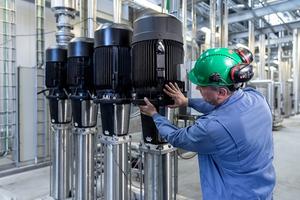 Im Rahmen eines Pilotprojekts realisierten Grundfos und Siemens beim Unternehmen Danish Crown eine cloudbasierte Lösung für Condition Monitoring (Zustandsüberwachung).