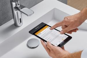"""WimTec-""""Remote"""" kommuniziert über das Infrarot-Modul mit allen Wasserabgabestellen im Netz- und Batteriebetrieb."""