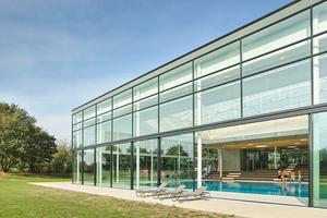 Das Fächerbad in Karlsruhe wurde zwischen 2015 und 2018 in zwei Bauabschnitten durchRossman+Partner Architekten mbBmodernisiert und erweitert.