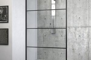 """Die Glasdusche """"Philly Loft"""" in der Variante """"Horizon"""" integriert sich mit ihrem markanten Design in die Innenarchitektur von Industrielofts."""