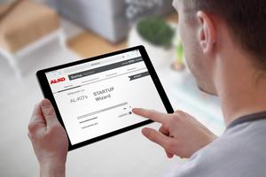 """Mittels Tablet kann sowohl im Rahmen des """"Art Pro""""- als auch des """"Art Starter""""-Pakets über eine Webvisualisierung das Anlagenschema angezeigt und auf die Bedienung zugegriffen werden."""
