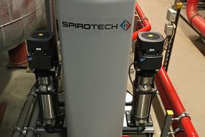 """Die Ausführung """"Maxi"""" verfügt über zwei Pumpen, die jeweils eine 100-%-Leistung aufweisen."""