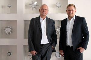 Peter Lubusch (links) verabschiedet sich in den Ruhestand. Seine Nachfolge übernimmt Thomas Volle.