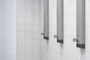 Regelmäßige Hygienespülungen garantieren die hohe Qualität des Trinkwassers und sorgen für den notwendigen Wasseraustausch bei Nichtbenutzung.<br />
