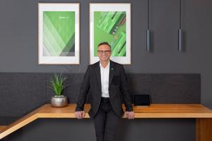 Rüdiger Keinberger, Vorsitzender der Geschäftsführung Loxone, stellte sich den Fragen der tab-Redaktion.<br />