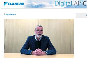 Bernhard Schöner, Leiter Corporate Communication sowie Bereich Marketing Commercial/Industrial bei Daikin, begrüßte die Teilnehmer der Tagung persönlich im Live-Stream.