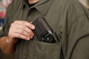 Thermografie 2 go: kompakte IR-Kameras sind klein, handlich und passen in jede Hemd-, Hosen- oder Manteltasche