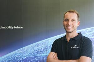 Matthias Suttner rät bei der Entwicklung zukunftssicherer Ladekonzepte für Elektromobilität zu herstellerunabhängigen, offenen und jederzeit skalierbaren Lösungen.