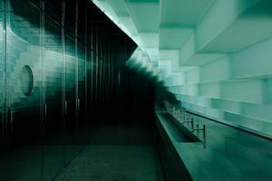 """Waschbereich im Museumsneubau """"The Twist"""" im Kistefos Museum in Jevnaker, nördlich von Oslo"""