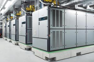 Mit mehr als 35 Jahren Erfahrung in diesem Produktbereich bietet Viessmann effiziente gasbetriebene BHKW an. Standardmäßig stehen insgesamt 13 verschiedene Module mit elektrischen Leistungen von 6 bis 530 kW<sub>el </sub>und 15 bis 660 kW<sub>th</sub> zur Verfügung.<br />