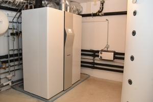 """Das """"LWZ 504"""" übernimmt in jedem Gebäude die Ent- und Belüftung, Beheizung, Warmwasserbereitung und auf Wunsch auch Kühlung.<br />"""
