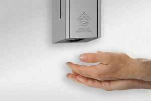 """Flexibel, praktisch und hygienisch können die neuen Desinfektionsmittelspender von Franke an der Wand oder an einer mobilen Standsäule montiert werden. Die Spender sind auch im Design der Accessoirelinien """"Rodan"""" und """"Stratos"""" erhältlich.<br />"""