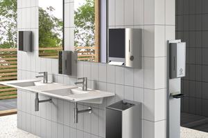 Mit der flexiblen Desinfektionsmöglichkeit der Hände unabhängig von der installierten Armaturentechnologie nach dem Waschen sorgen Betreiber für die optimale Handhygiene ihrer Kunden, Gäste oder Mitarbeiter.<br />