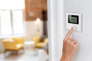 """Das System """"Zewo Funkline"""" zur Einzelraumregelung von Flächenheizungen und -kühlungen leistet zusätzlich den hydraulischen Abgleich.<br />"""