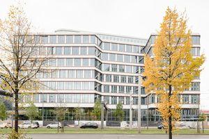 """Engie Deutschland übernimmt das Facility Management im Edge Grand Central nahe des Berliner Hauptbahnhofs. Das smarte Bürogebäude hat als erstes deutsches Objekt das """"WELL Building Standard Gold""""-Vorzertifikat erhalten."""