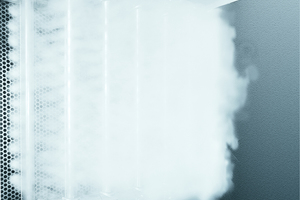 Beispiel für eine Dampfluftbefeuchtung in einem RLT-Gerät: Aus Dampflanzen strömt der Dampf mit einem nur geringer Überdruck in den zu befeuchtenden Luftstrom.