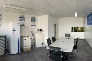 Die Berliner Zewotherm-Niederlassung zeigt Produkte aus allen Segmenten des Systemherstellers: Lüftung, Wärmepumpe, Wohnungsstationen, Flächenheizung, Verbundrohrsysteme und Solar.