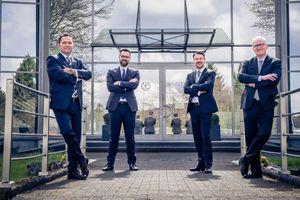 Sven Mang (2. v.l.), Group Director Operations, und Can Yildirim (l.), Group Director Supply Chain Management, sind neue Mitglieder des internationalen Führungsteams von Kludi. Ihm gehört Deutschland-Vertriebschef Sebastian Biener (2. v.r.) bereits an, der zum 1. April 2021 als Sales Director Central Europe zusätzlich die Verantwortung für die Märkte in Belgien, Luxemburg, den Niederlanden und Österreich übernommen hat. Kludi-CEO Julian Henco (r.) freut sich, dass es gelungen ist, wichtige Führungspositionen im Unternehmen mit Spitzenkräften aus der nächsten Generation zu besetzen.