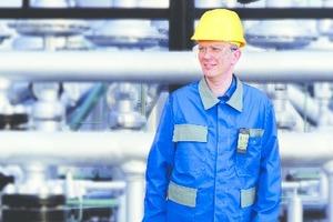 """Informationsschriften der Berufsgenossenschaft geben klare Hinweise zur richtigen Planung einer<br />T021: """"Gaswarneinrichtungen und<br />-geräte für toxische Gase/Dämpfe und Sauerstoff – Einsatz und Betrieb"""""""