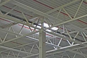 Durch die geringe Aufbauhöhe von 50mm kann jedes Strahlband in die Konstruktion eingefügt werden.