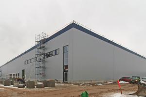 Eine der drei Logistikhallen, die Panattoni in Ladenburg bei Mannheim errichten lässt.