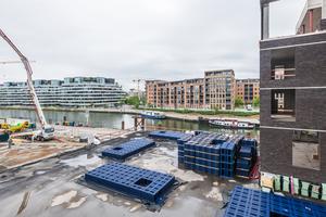 """Der Einbau des auf dem modularen Versickerungs- und Rückhaltesystem Wavin-""""Q-Bic Plus"""" basierenden """"TreeTanks"""" dient als langfristige Investition in eine grüne und lebenswerte Stadt von heute und morgen."""