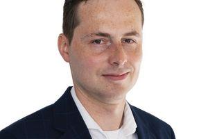 Jan Levin, B Sc., ist zuständig für den Vertrieb von Fujitsu-Produkten in Schleswig-Holstein, Hamburg und Mecklenburg-Vorpommern, Niedersachsen und Bremen.