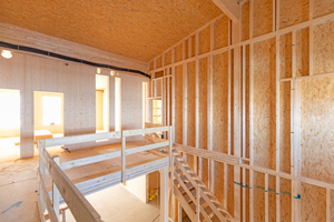 Der Neubau besteht aus Holz.