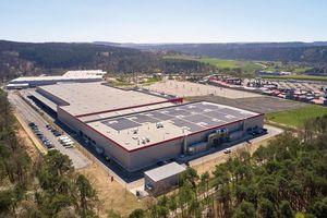 Das neue Logistik- und Produktionszentrum von Warema in in Wertheim-Bettingen ...