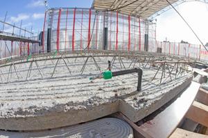 Nach dem Eingießen des Betons ist nur noch der Anschluss des Systems zu sehen.