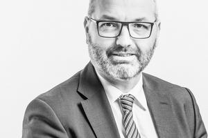 """<div class=""""99 Bildunterschrift"""">Dr. Ingo Schmidt </div><div class=""""99 Bildunterschrift"""">Rechtsanwalt und Fachanwalt für Bau- und Architektenrecht</div>"""