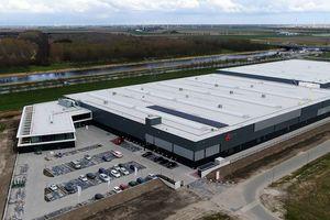 Flamco hat seinen Hauptsitz ins niederländische Almere verlegt. Dort hat Aalberts hydronic flow control ein neues Produktions- und Logistikzentrum errichtet.
