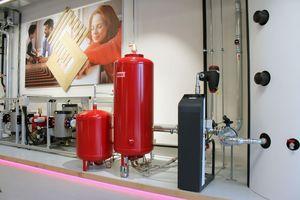 In Almere gibt es ein Hightech-Schulungszentrum, in dem Flamco Installateure und Gebäudebetreiber in der Verwendung seiner Produkte unterrichten kann.