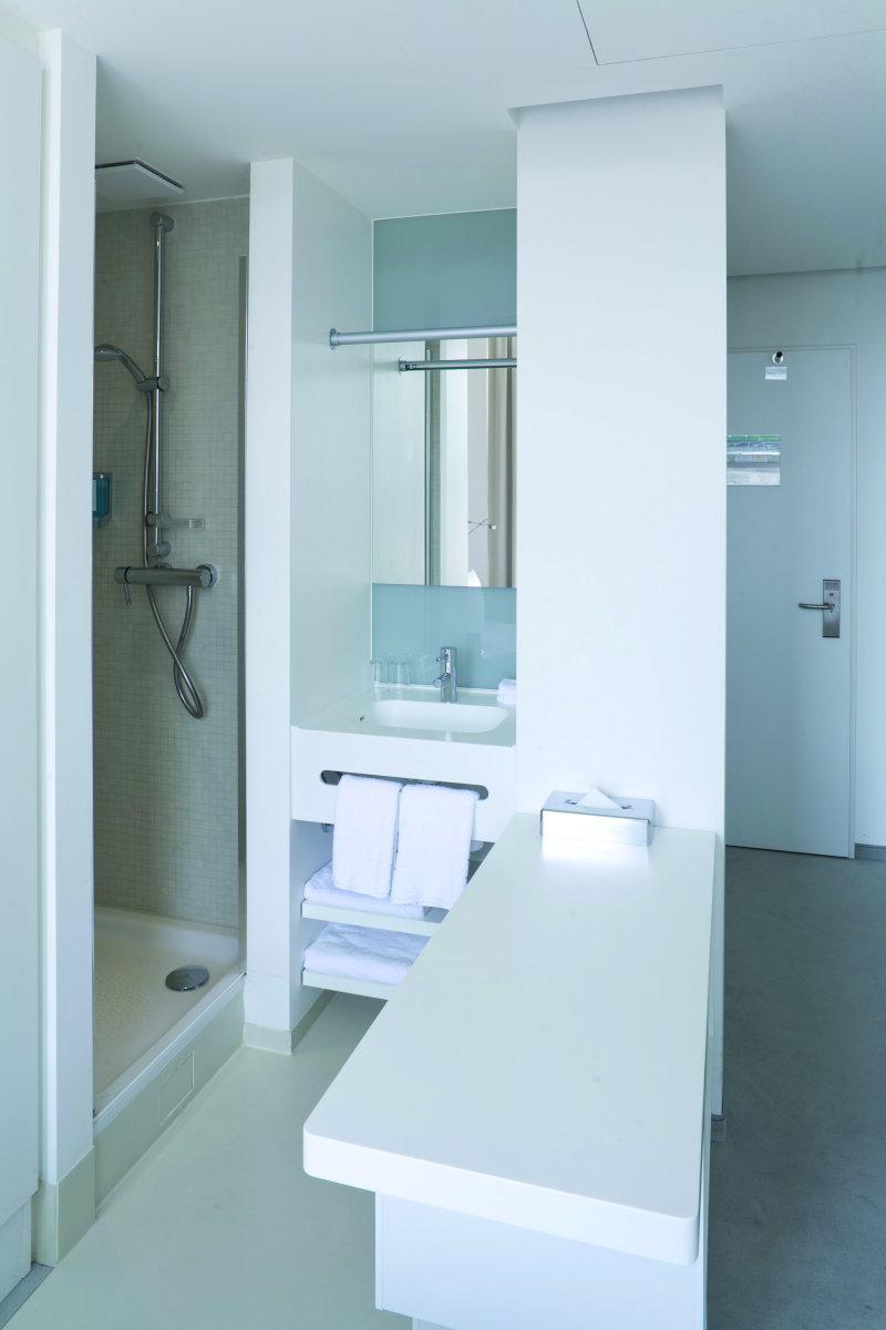 Offenes Bad im Hotelzimmer   tab   Das Fachmedium der TGA Branche