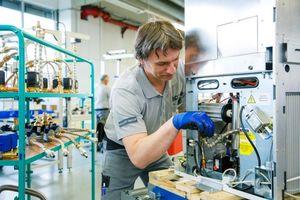 """Beim Innovationsprojekt """"Power to Gas"""" von E.ON Hanse in Hamburg sorgt ein Vaillant-Brennstoffzellen-Heizgerät für die Rückverstromung von Wasserstoff, der im Erdgasnetz gespeichert wurde (Foto: Vaillant)"""