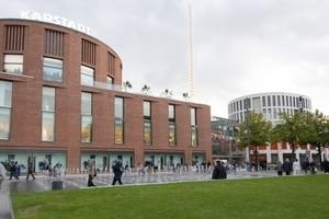 Das Forum Duisburg von Außen