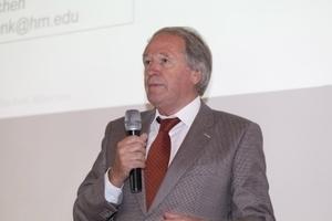 Unternehmenschef Dipl.-Ing. Siegfried Weishaupt begrüßte die Gäste und erläuterte die Entwicklung des Unternehmens in den letzten Jahren