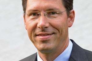 Als Gesamtvertriebsleiter der Raab-Gruppe übernimmt Hajo Hoops die Aufgaben von Günter Fischer bei Kutzner und Weber.