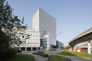 Das Allianz-Hochhaus in Zürich verfügt über eine Glasfassade in Natursteinoptik<br />