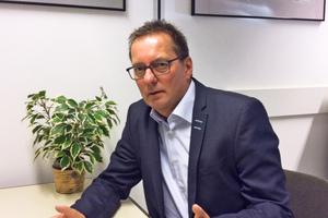Dipl.-Ing. Detlef Täuber, Leiter Vertrieb Haustechnik/Brandschutz, stellte sich den Fragen der tab-Redaktion.