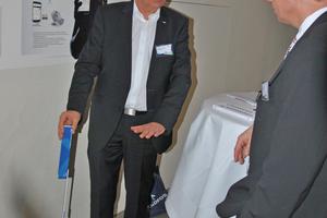 """Peter K. Kölling, Grundfos GmbH, gewann den Jurypreis für den hydraulischen Abgleich mit dem System """"Alpha 3""""."""