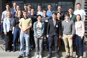Im Rahmen des Deutschlandstipendiums gewannen 18 Studierende in Rottenburg-Ergenzingen Einblicke in die Produktion bei Bitzer.<br />