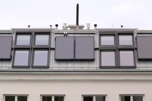 Durch die Solarthermieanlage mit vier Flachkollektor-Modulen à 2,1 m² ...