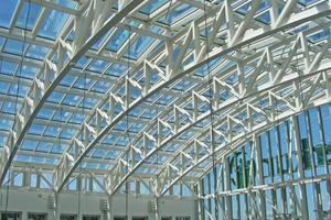 Durch die energetische Sanierung des Glasdaches wurde ein nach dem Bauteilverfahren für Glasdächer geforderter U-Wert von &lt;2,00 W/m<sup>2</sup>K erreicht.