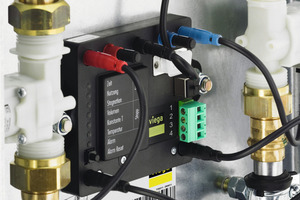 Die Elektronik der Spülstation verfügt über diverse Schnittstellen, unter anderem für die individuelle Programmierung oder die Aufschaltung zusätzlicher Alarmsignalgeber.<br />